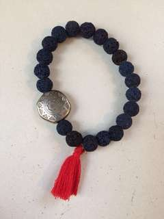 Dyed seed bracelet