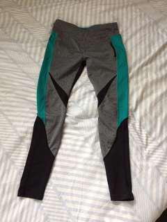 Workout leggings - size S