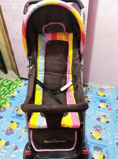 PRELOVED GIANT' CARRIER STROLLER(Candy Stripe)