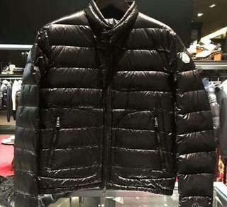 男裝 5號 全新Moncler down coat