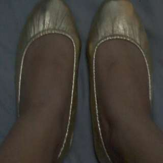 Gold foldable doll shoes