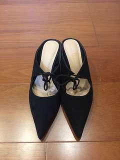 🚚 Zara絨面尖頭涼鞋