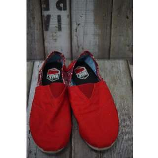 WAKAI Shoes (bukan ori)