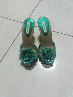 🚚 花朵高跟鞋