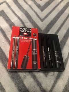 Make Up For Ever Smoky Eye Kit