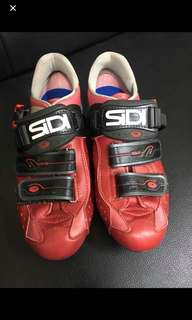 Original SIDI Shoe Cleats and Crank brothers egg beaters pedals with cleats