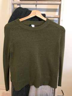 H&m green khaki knitwear size xs