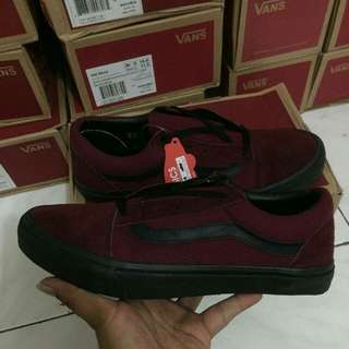 Vans old scool red maroon black