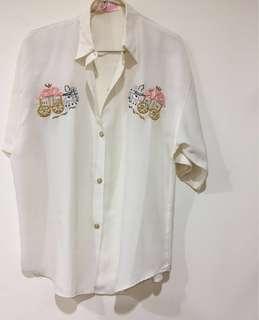 🚚 美國製古著vintage 絲質胸前刺繡五分袖薄襯衫