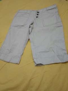 Celana pendek kain (M)