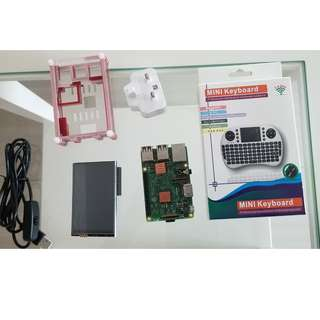 Raspberry pi 3, 3.5 inch screen, wireless Keyboard, Samsung Adapter, special wire, Copper heat sinks