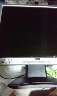 免費 LCD 螢幕 4:3  僅D- SUB 測試能用