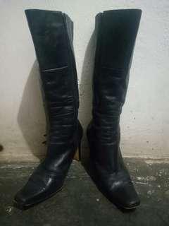 Black Woman Boots