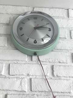 diamond clock - working
