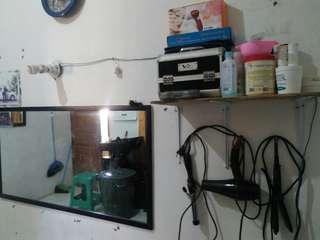 Alat rumah tangga dan alat SALON untuk usaha di rumah.