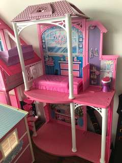 ** Doll house SET ** Awesome ** Castle