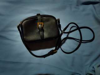 Pull n Bear black sling bag