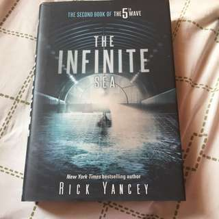 The Infinite sea by rick yancey (hardcover)