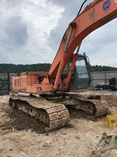 Hitachi Excavator EX200