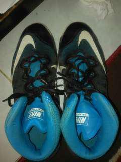 Sepatu Basket Nike Hiper Max