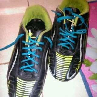 Sepatu futsal new era ori size 39 fit 40