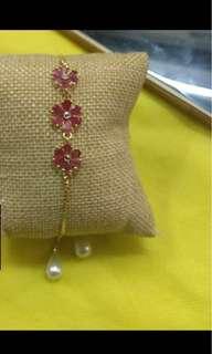 Elegant & delicate bracelet
