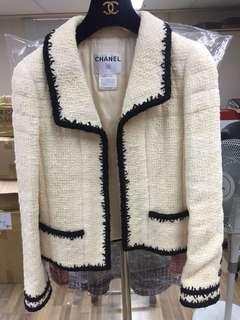 Chanel Black & white tweed jacket Sz 36