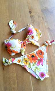 Beautiful floral bikini - made in Italy - brand new