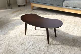 Meja Peanut Table