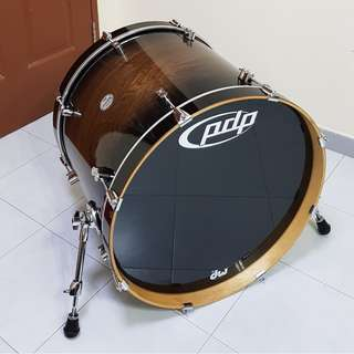"PDP Concept Maple Exotic Walnut 22""x18"" Bass Drum"