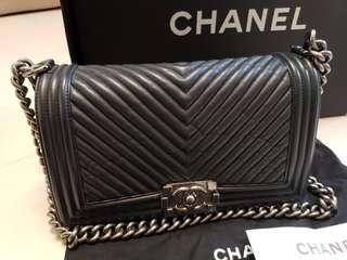 Boy Chanel代友放V紋