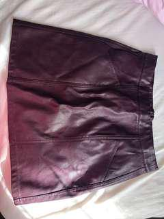BRAND NEW Cute leather skirt - Pagani