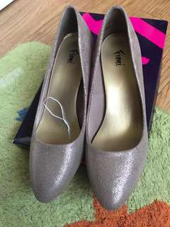 PAYLESS SHOES (Heels) NEVER USED