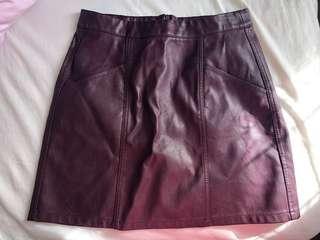 BRAND NEW Cute leather skirt - Pagani