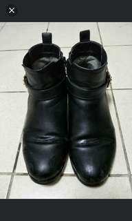 日本靴子22.5