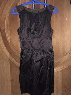 Dress Hitam Selutut