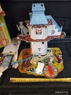 Scooby Doo house (preloved)