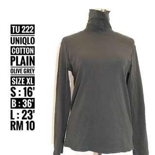UNIQLO Turtleneck - TU 222