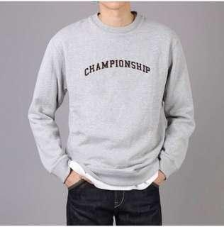 W.H.O CHAMPIONS SWEATSHIRT (WHITE)