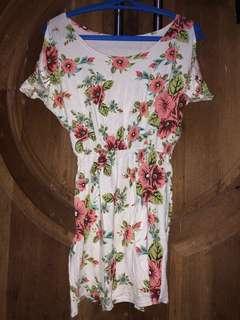 Mini dress bunga