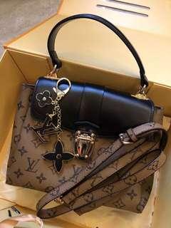 Loui Vuitton Premium Quality Bag