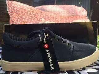 Sepatu airwalk navy