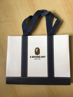 A Bathing Ape 紙袋