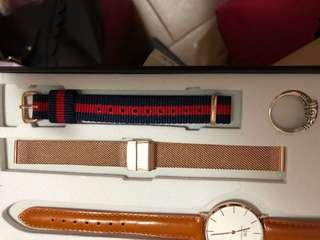 DW尼龍錶帶 blue x red