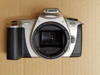 Vintage Canon EOS 300 [A002]