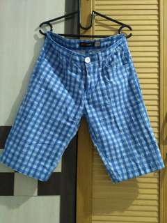 Celana pendek blue Lines