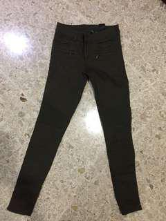 Reprice H&M skinny jeans army