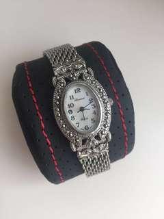 Classic watch 罕有中古珍珠棉女裝手錶
