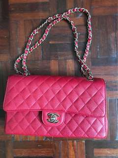 AUTHENTIC USED Chanel Medium Flap Red Caviar Gold Hardwarw