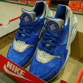 Air Huarache by Nike